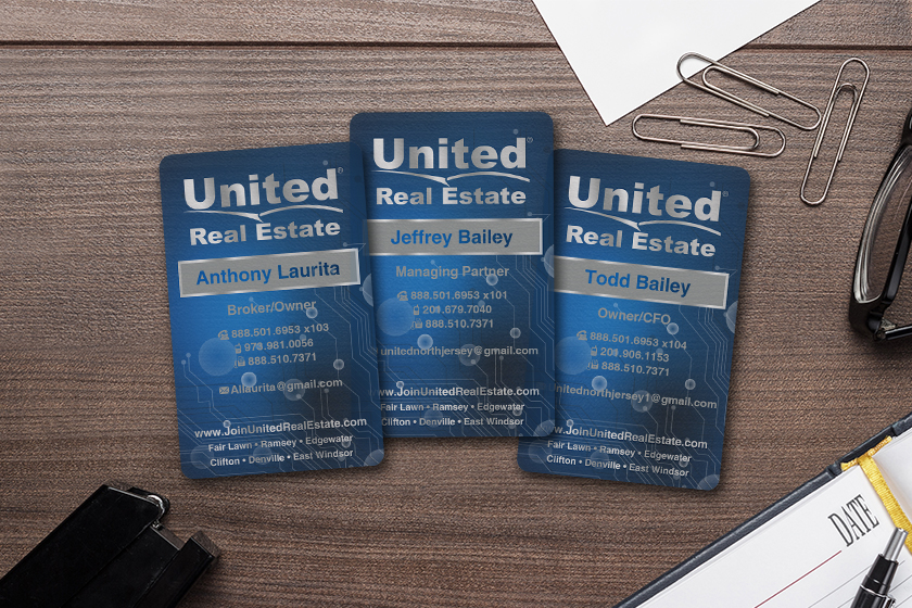 Foil business cards custom printed by Plastic Printers