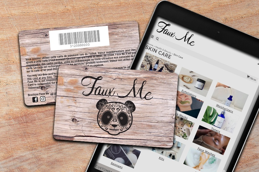 Gift card design that imitates the look of wood